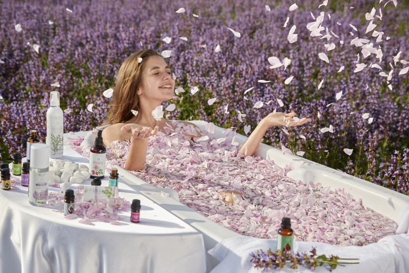 How to prepare a natural body scrub with lavender?